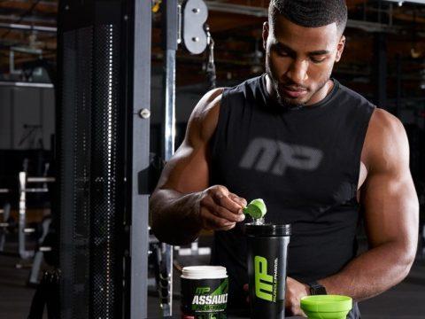 چرا حرفه ای ها اینقدر پروتئین می خورند؟